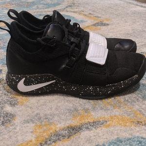 Nike Shoes - Women's Size 8 Nike Basketball Shoes